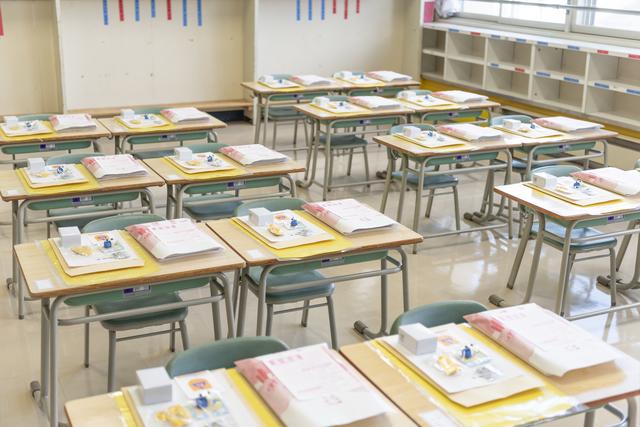入学式後の教室風景