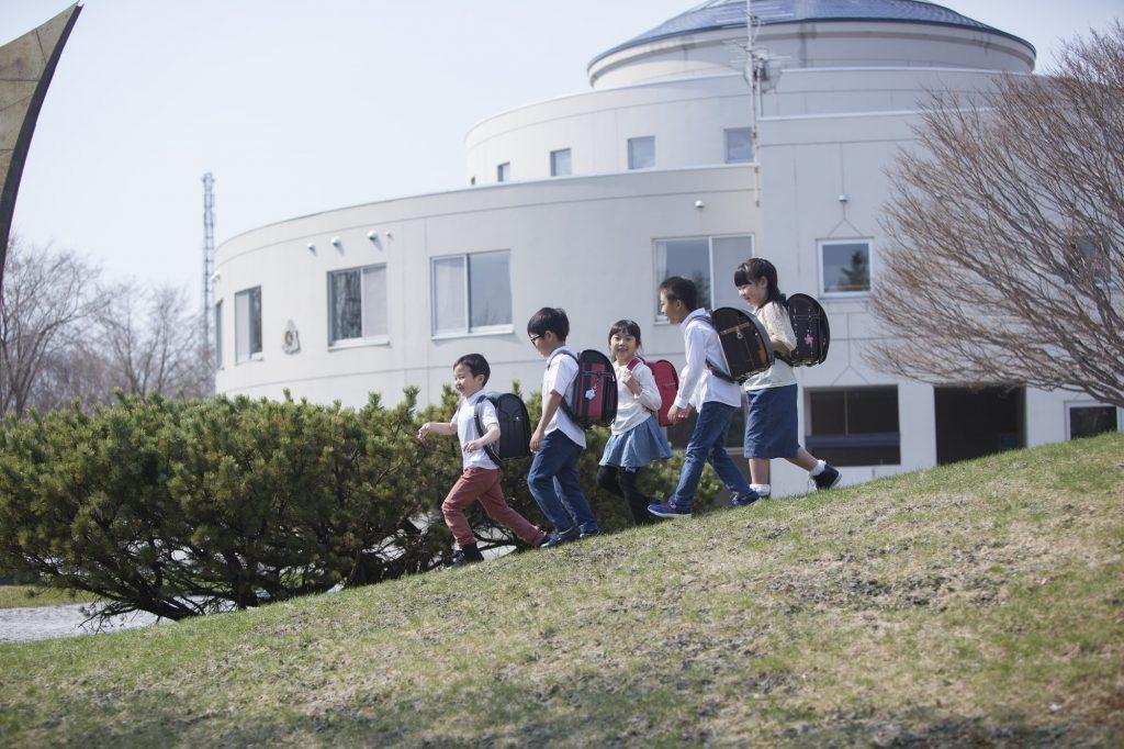 小学生の通学風景